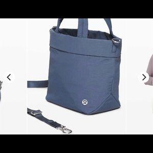 Lululemon On My Level *Micro Bag